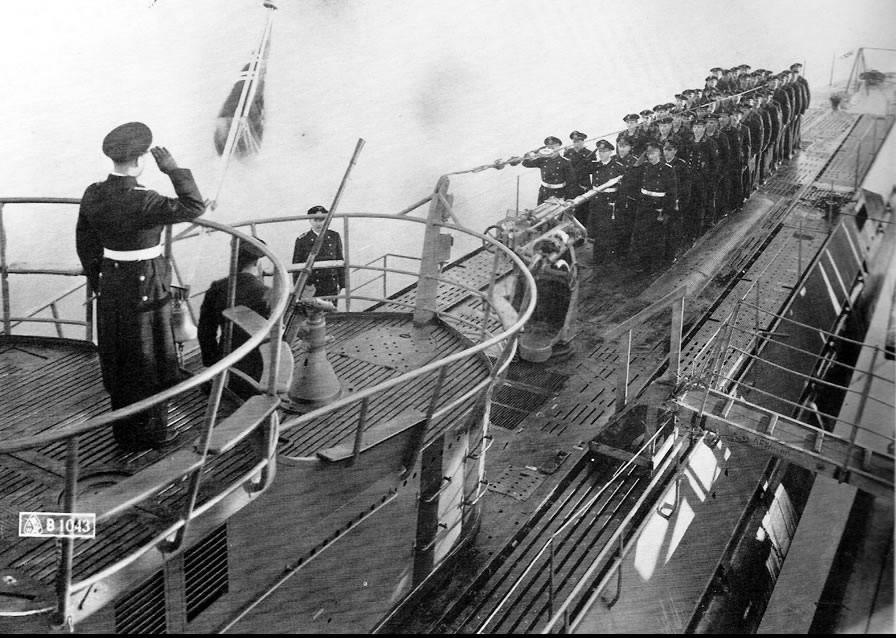 photos de sous-marin et de leur équipage BPcrNO
