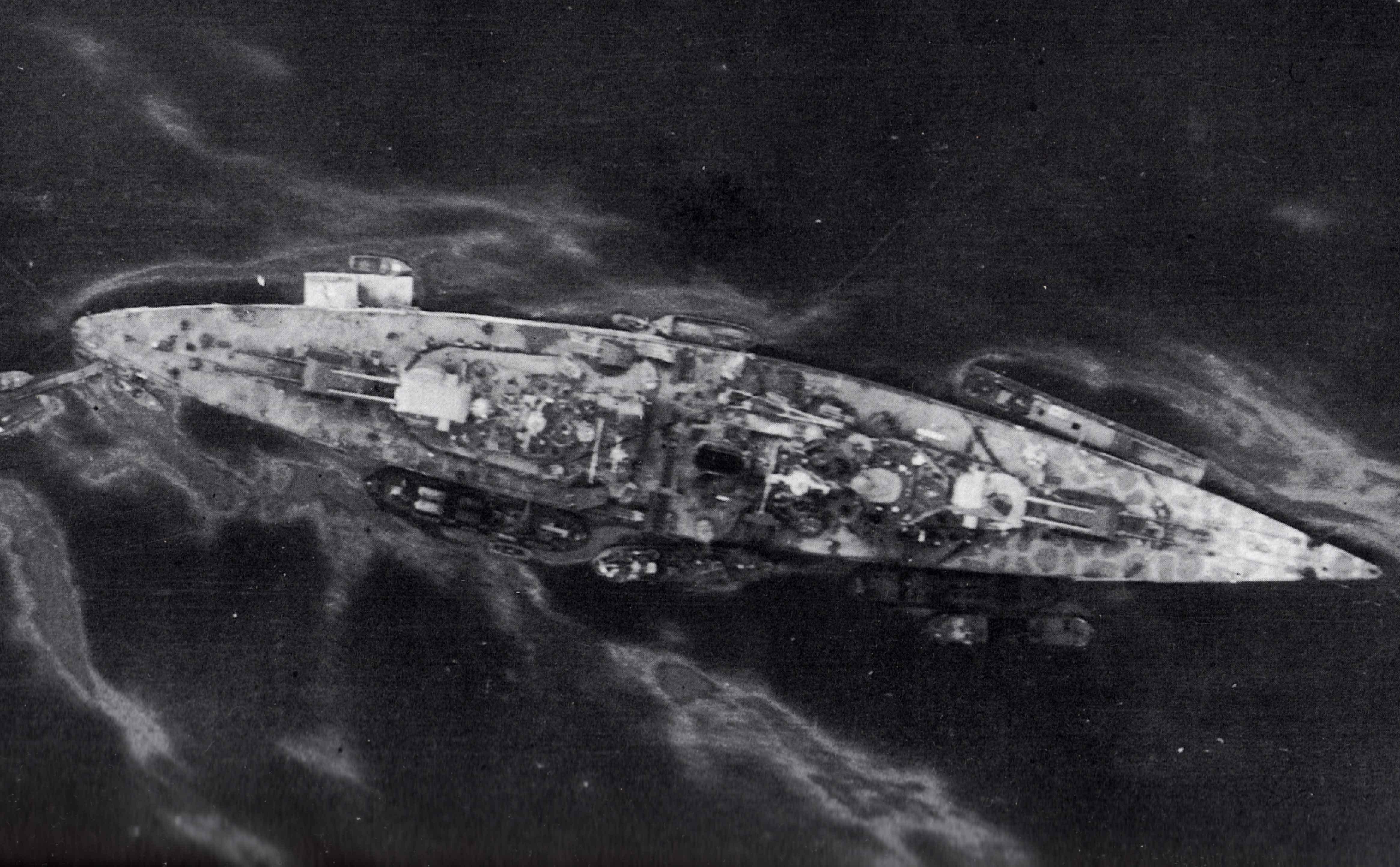 Tirpitz 1:350 Platinum Edition - Page 2 ASoQsD