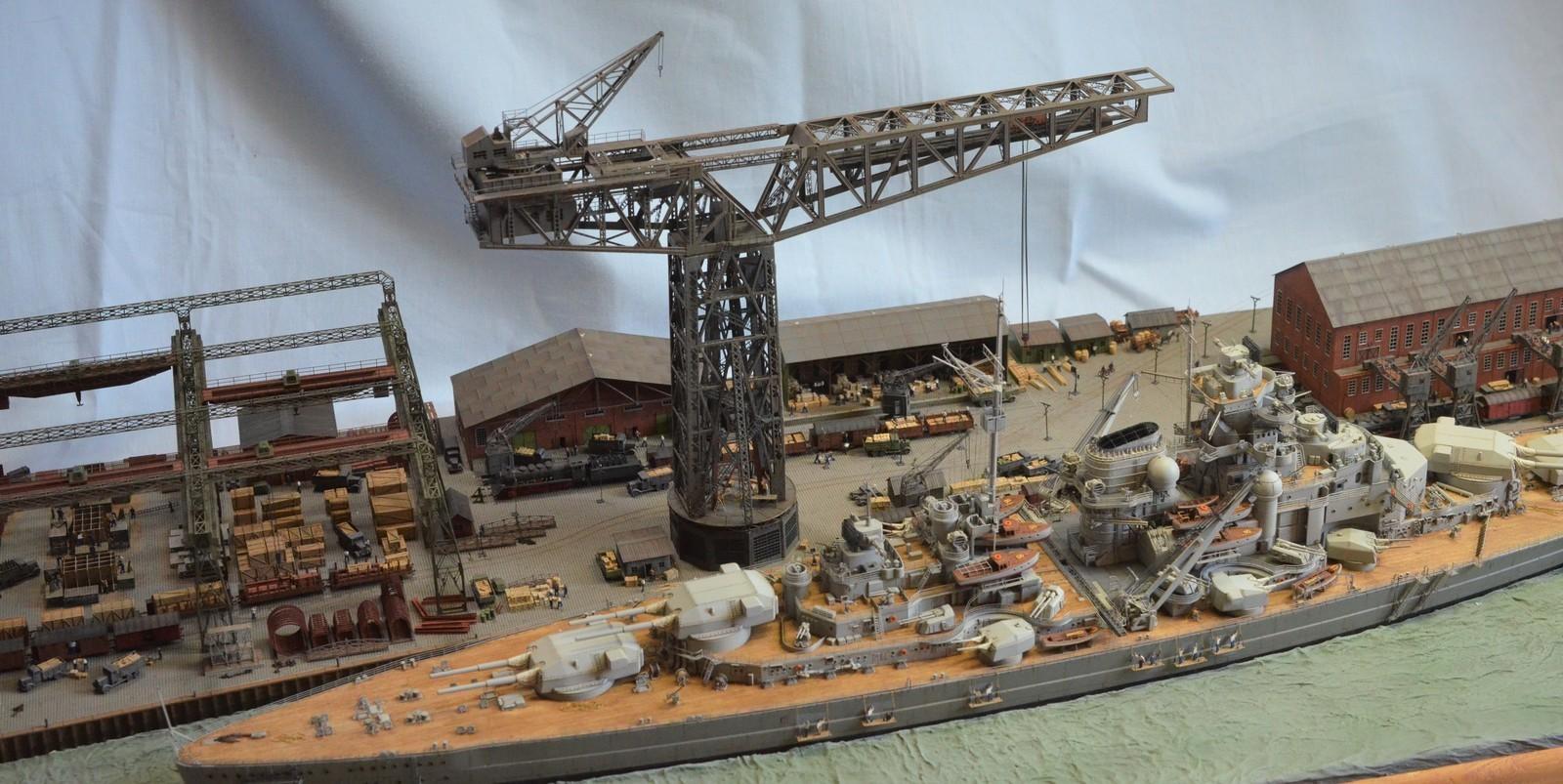 Grande grue 250 t port de Hambourg et Bismarck Revell au 1/350 - Page 11 YOzJGu