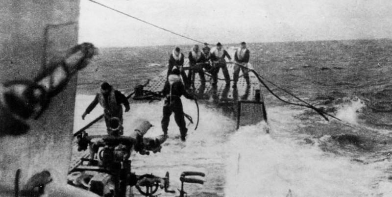 photos de sous-marin et de leur équipage QyBk70