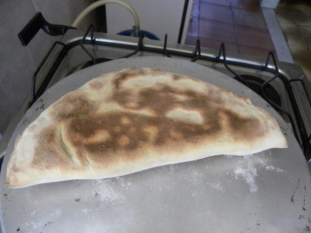 Problemas ao assar pizzas grandes no forno doméstico Calzon11