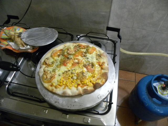 Problemas ao assar pizzas grandes no forno doméstico Dscn3110