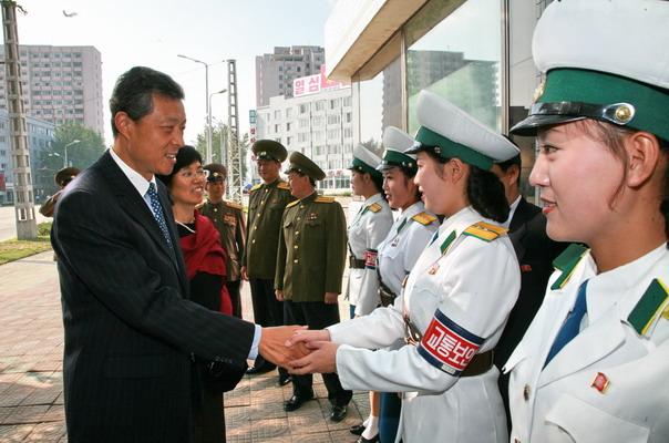 Pyongyang Traffic Women Meet The Chinese  Ambassador