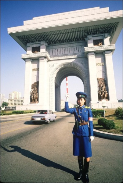 On Duty At The Arch Of Triumph