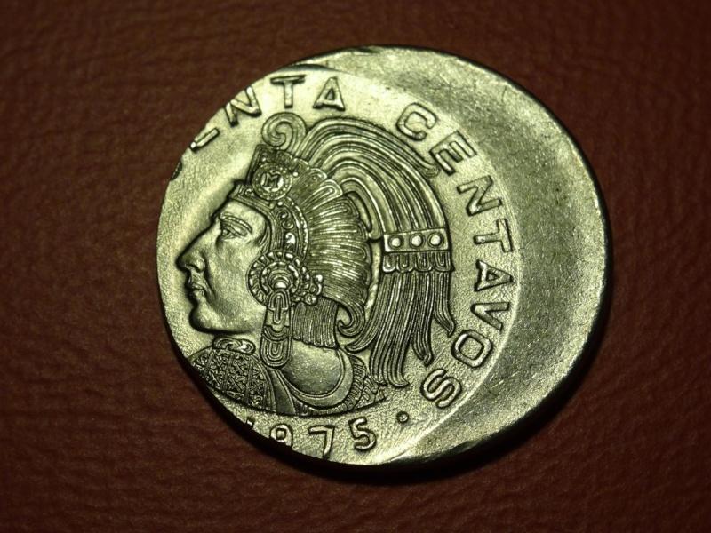MEXICO - Acuñacion despazada - 50 Centavos - 1975
