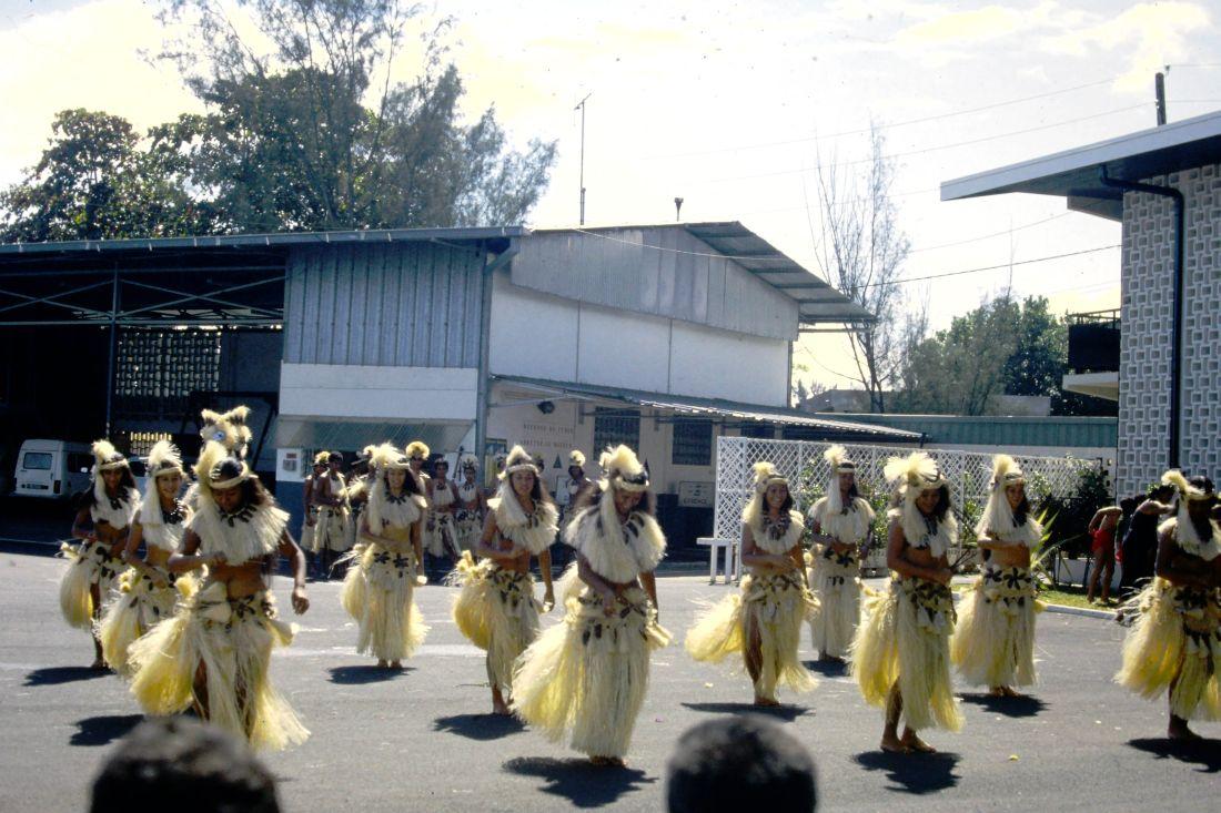 RHÔNE (BSL) - Page 31 Tahiti30