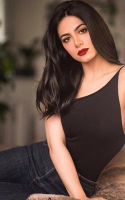 Scarlett Vaszary