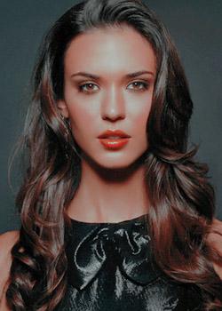 Mayra Canasa Ferreira