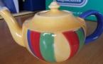 catherine anselmi teapot 1995. Tussock pattern