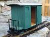 Construcció amb xassís de llautó i carrosseria de fusta.