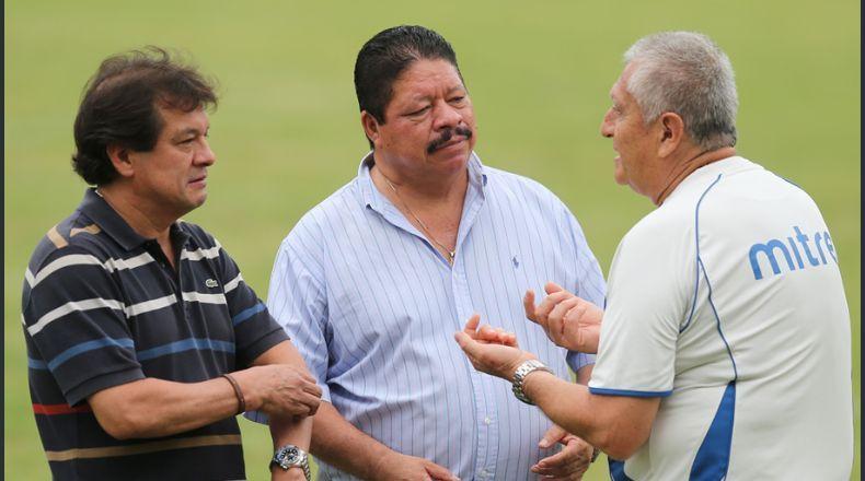 Eduardo Lara no es mas el tecnico de La Seleccion Nacional y termina contrato con FESFUT. Laraycia2.jpg_525981578