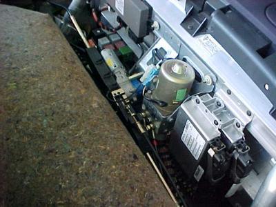 Ajouter fluide hydraulique ouverture capote ( texte traduit) Post-4600-1131215666_thumb